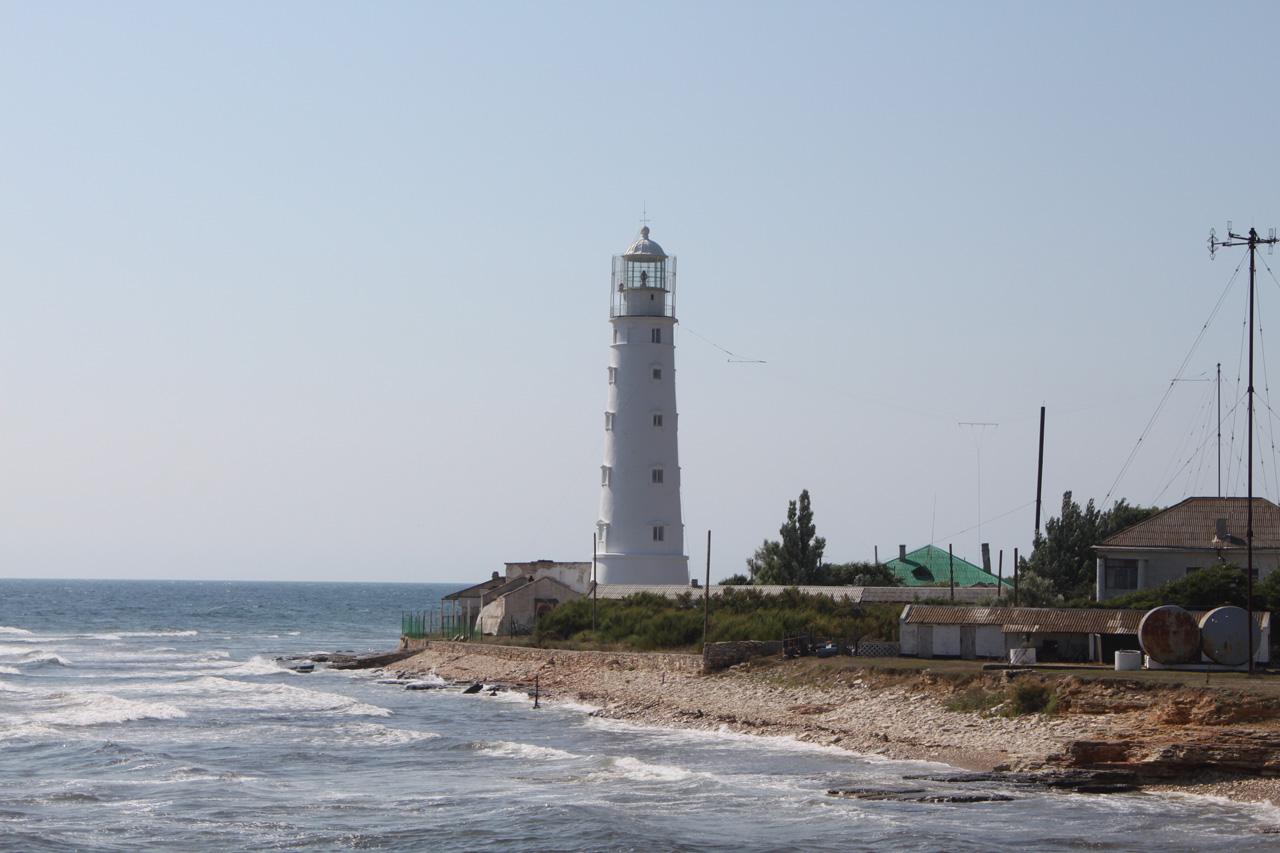арханкутский маяк  - самая западная точка Крымского полуострова