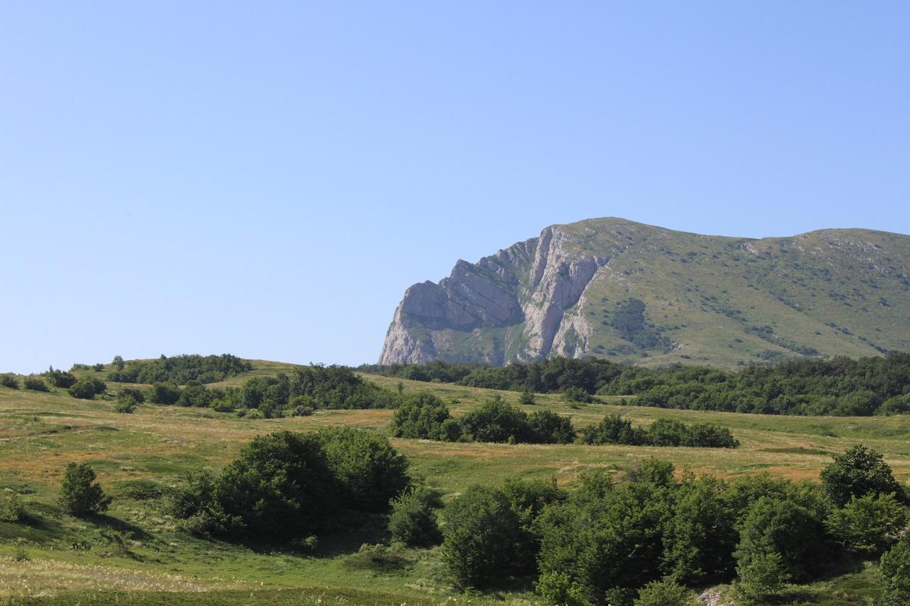 Вид на вершину Ангар-Бурун с плато Чатыр-Даг
