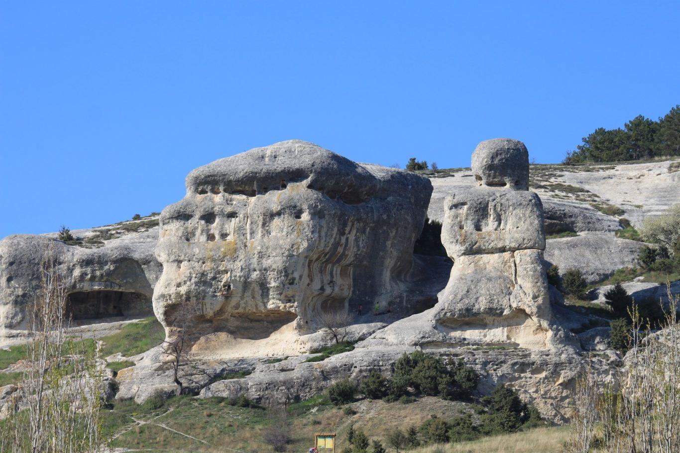Вид на скалы Кала-Асты горы Сувлу-Кай