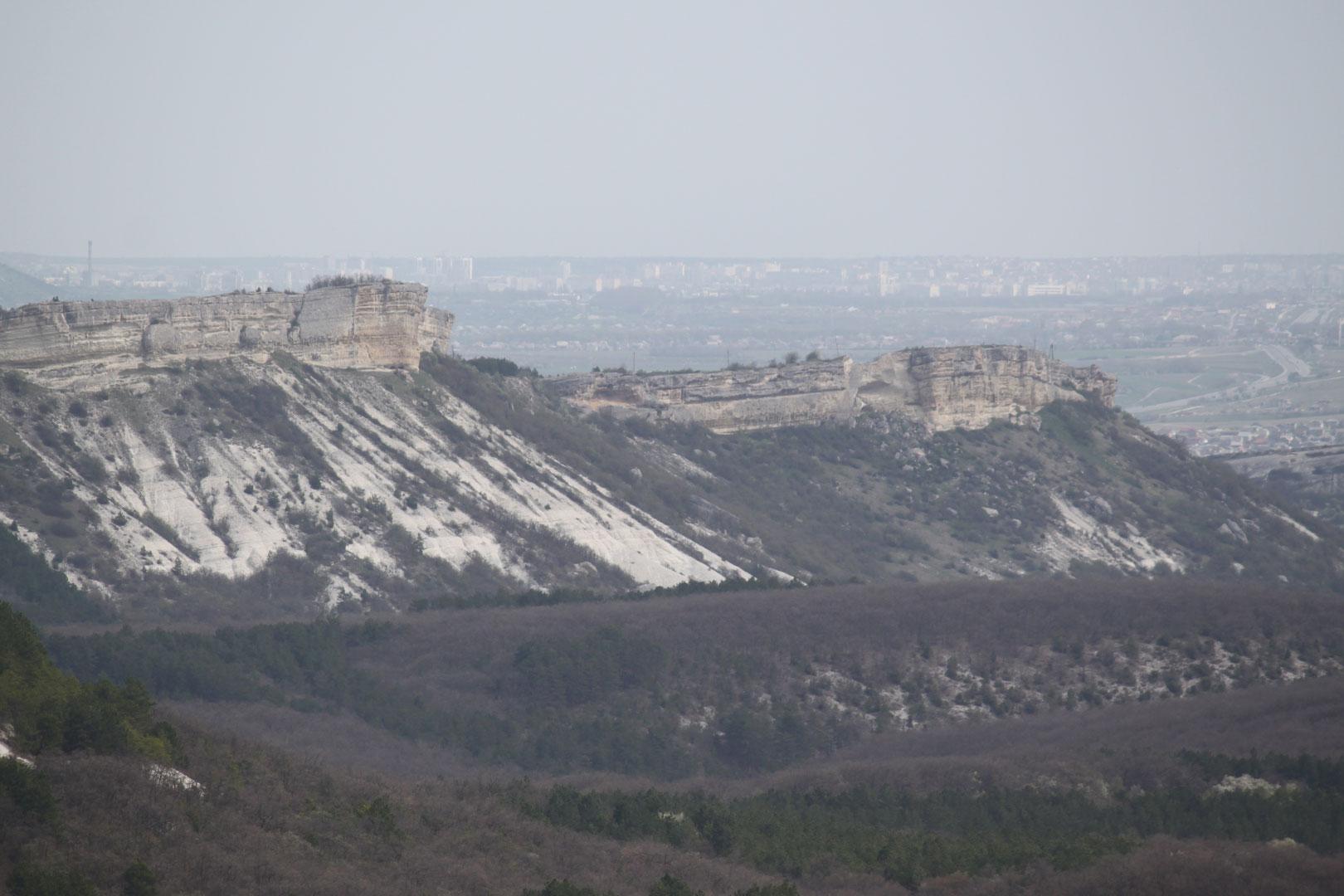Вид на гору Мендер и Симферополь