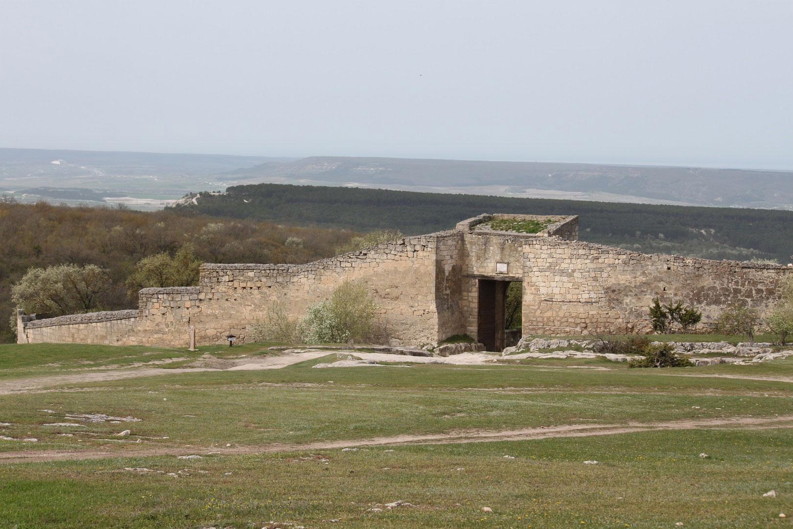 Ворота города-крепости Чутуф-Кале